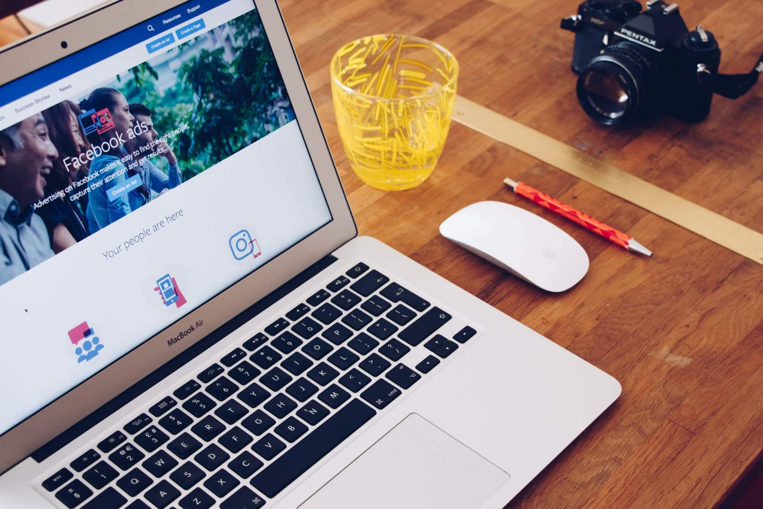 6 Pros & 4 Cons Of Facebook Ads For Local Businesses